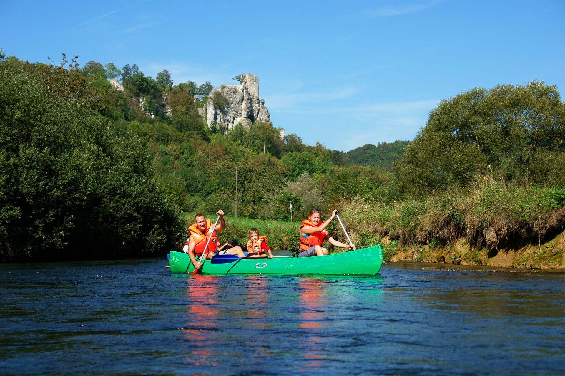 Canoe tours in 'Franconian Switzerland' for all ages...