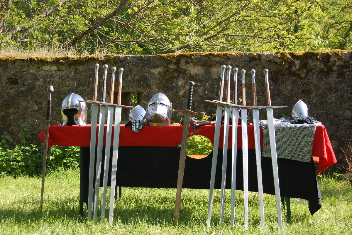Knights and Swords - Experience the Middle Ages...